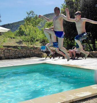 Holidays with children in the Cevennes Pool gîtes Le Miracle Cévennes