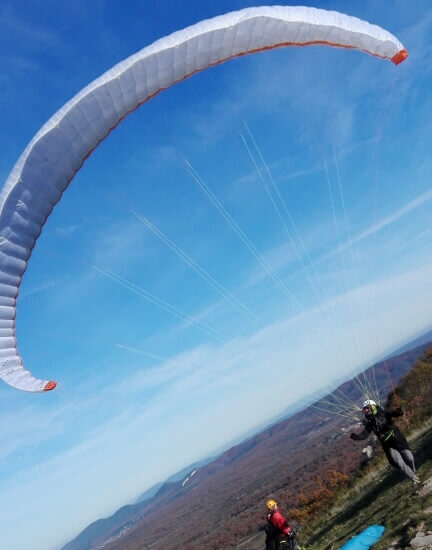 Sightseeing in the Cevennes, Paragliding